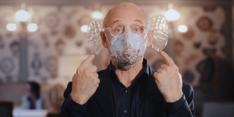 Iván Fischer wearing the mask he designed.