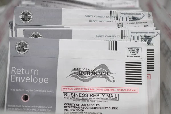 Mail-in ballots. A large number of absentee ballots has been the subject of voter fraud claims in the 2020 US presidential elections, particularly in key swing states like Pennsylvania, Georgia, and the like
