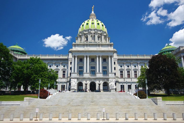 The state capitol building in Harrisburg, Pennsylvania. (Image: F McGady/CC-BY 4.0)lawmakers