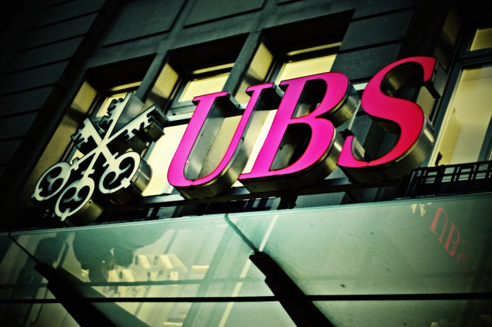 UBS links to Clintons and Obamas raise eyebrows