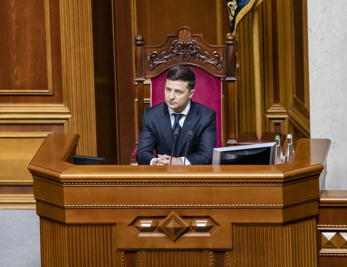 On May 20, during the solemn session of the Verkhovna Rada in Kyiv, newly elected President of Ukraine Volodymyr Zelensky was sworn in as Head of State. Zelensky recently visited the Russia-Ukraine border after a 23-year-old soldier was shot and killed during skirmishes with Donbas separatists.