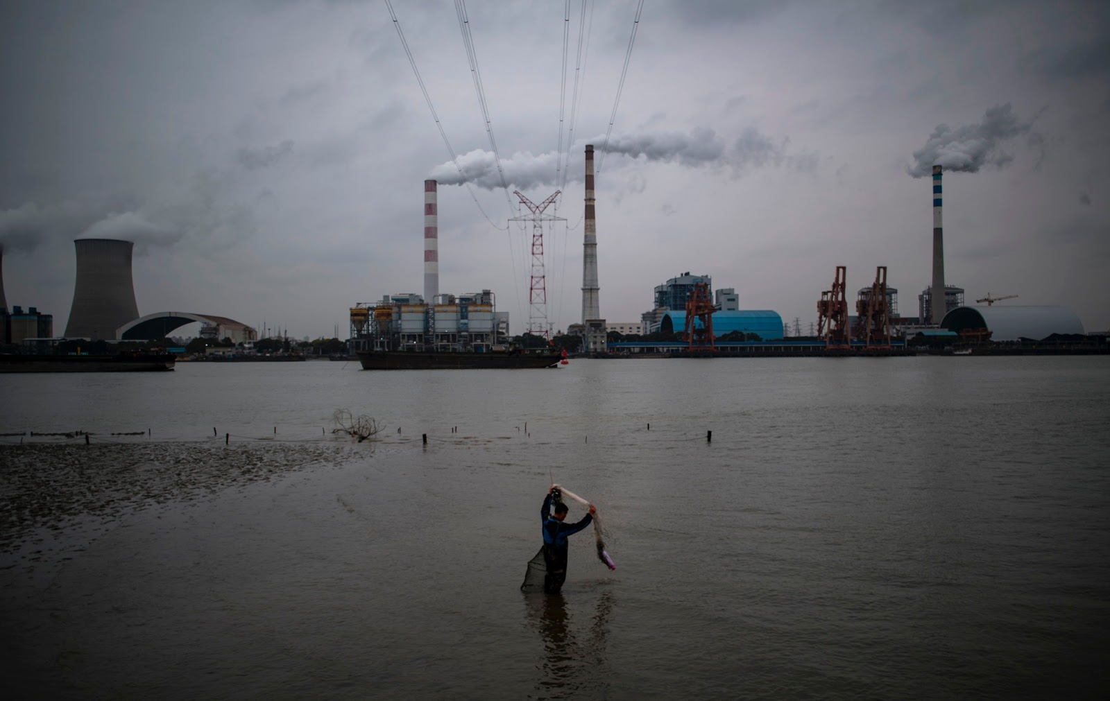 coal-power-plant-shanghai-china-GettyImages-1228668962