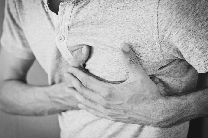 Centinaia di giovani hanno sperimentato miocardite o pericardite dopo aver ricevuto dosi di Pfizer-BioNTech o Moderna COVID-19. (Immagine: Pixabay / CC0 1.0 )