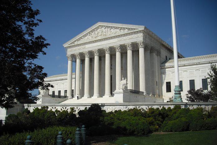 La Corte Suprema degli Stati Uniti ha deciso di continuare l'Obamacare con una sentenza approvata da 7 giudici su 9. (Immagine: OhBillyBoy  tramite  Pixabay)