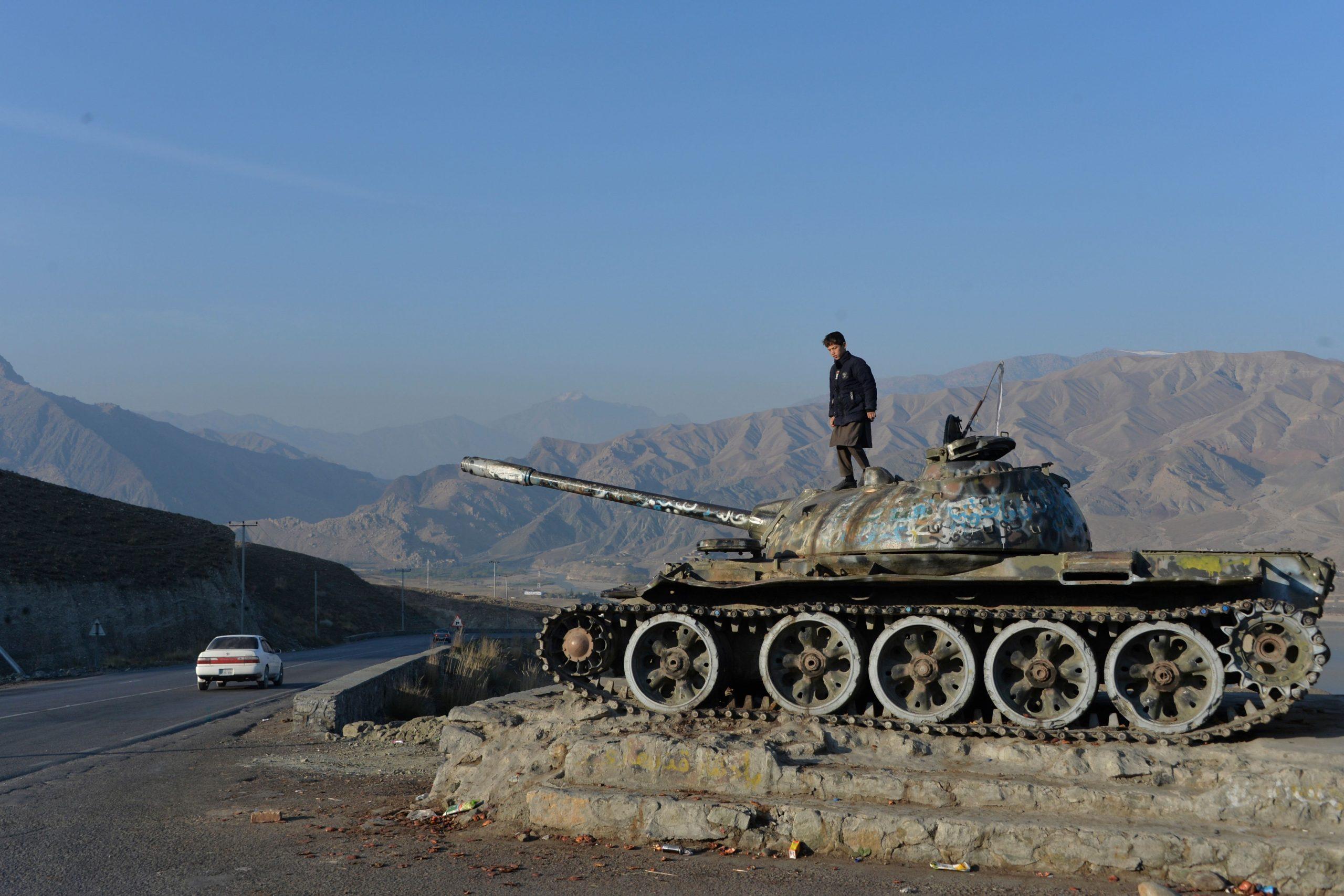 Afghanistan_Soviet_tank-wreckage