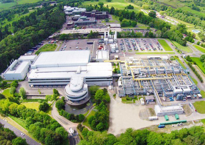 Newport Wafer Fab è la più grande fabbrica di semiconduttori wafer del Regno Unito, che produce processi a 20nm che sono principalmente utilizzati come wafer per l'industria automobilistica. (Immagine: Newport Wafer Fab Sito ufficiale)
