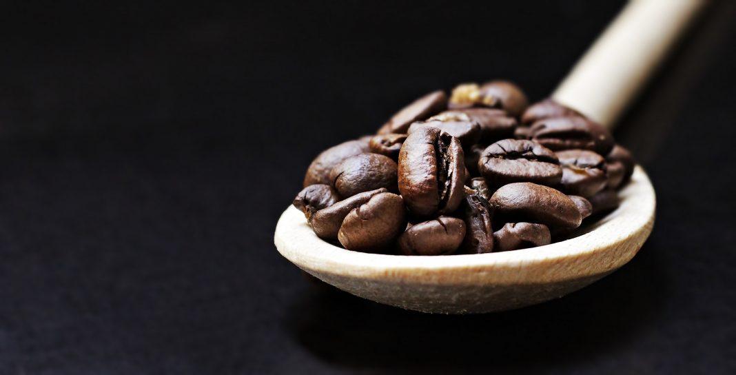 Goditi la tua tazza di caffè, ma assumine con moderazione. Uno studio recente afferma che il caffè in eccesso può ridurre il cervello. (Immagine: Pexel CC 0)