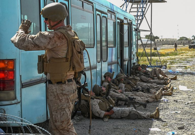 us-soldiers-rest-in-afghanistan-airport-americans-remain-stranded
