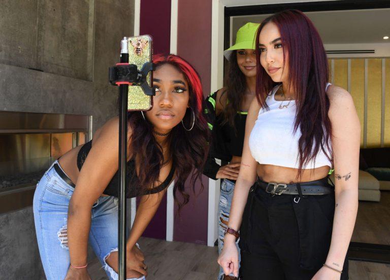 TikTok Influencers Teaching Young Girls Tics and Tourettes