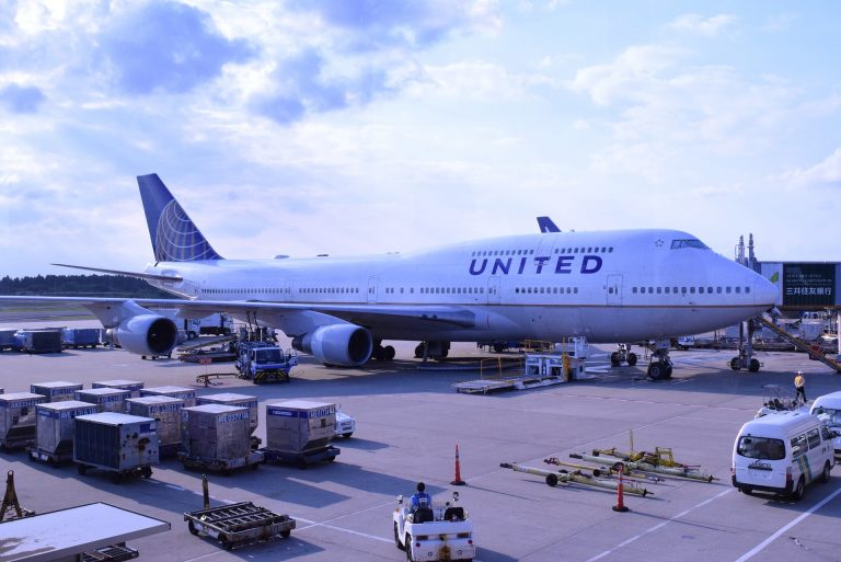 United's COVID-19 vaccine mandate has been hit with a temporary restraining order from court.